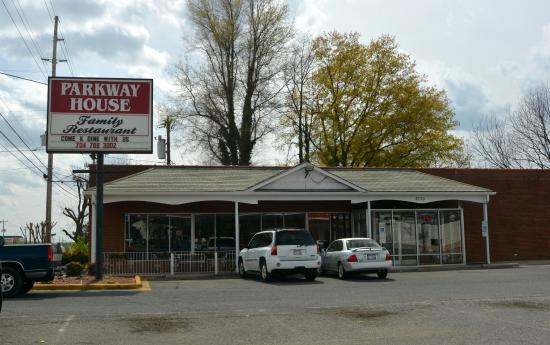 Parkway House Family Restaurant
