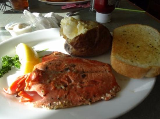 Λονγκ Μπιτς, Ουάσιγκτον: Salmon