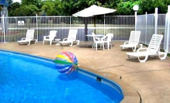 Monticello, IN: Pool