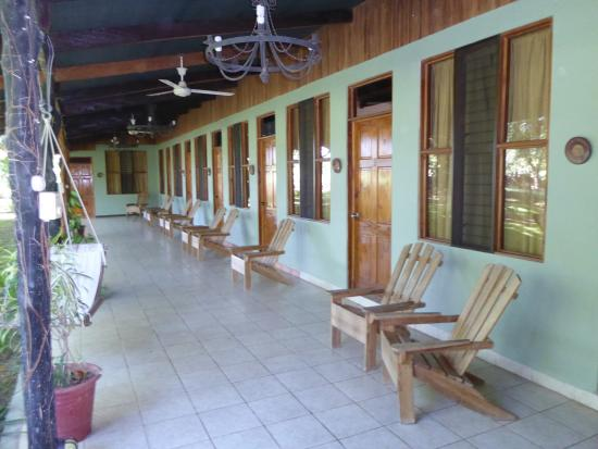 Rancho Curubande' Lodge: The breezeway