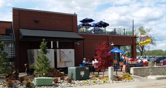 Washington, MO: Outdoor seating