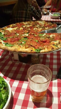 Grimaldi's Pizzeria: 20160506_213028_large.jpg