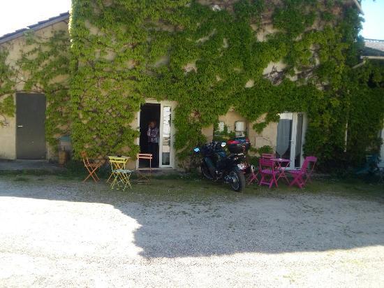 Le Pre aux Anes: 20160504_161231_large.jpg