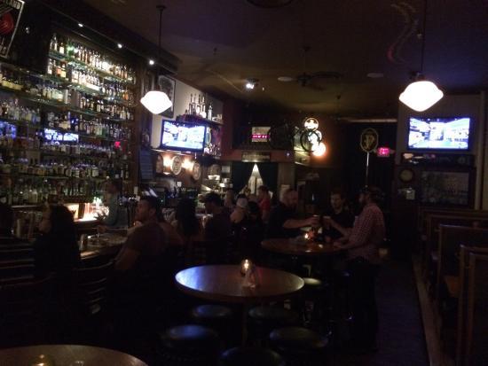 Paddy's Bar & Grill: photo0.jpg