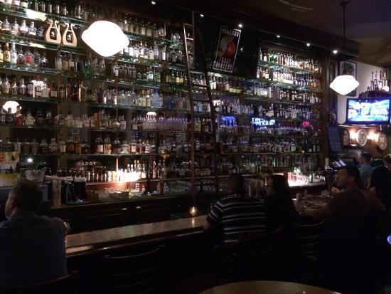 Paddy's Bar & Grill: photo1.jpg