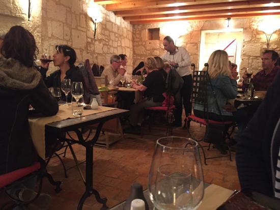 Turquant, Frankrijk: Un moment très agréable dans ce Resto plein de charme ! A découvrir et redécouvrir.