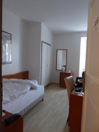Hotel de la Rose : Einzelzimmer- nicht ganz so, wie vom Hotel angepriesen!