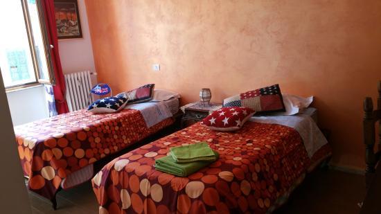 B&B  Casa di Giò : Camera Arancione