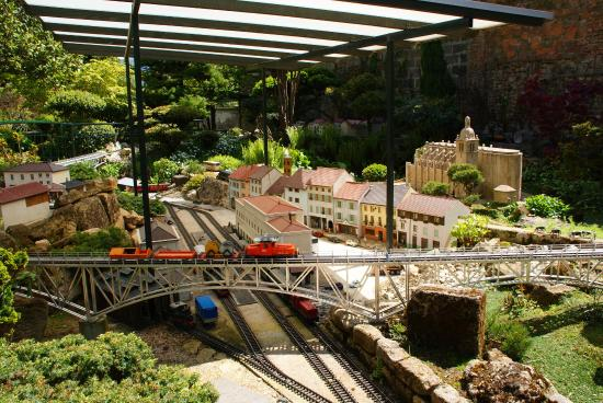 The top 10 things to do near le monde merveilleux des for Jardin ferroviaire