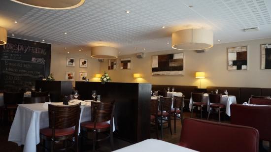 Schous Brasserie & Bar: Интерьер
