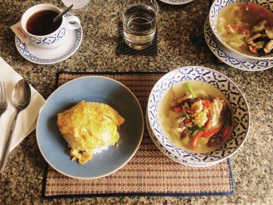 Sabai Resort: Petit déjeuner Thaï délicieux!