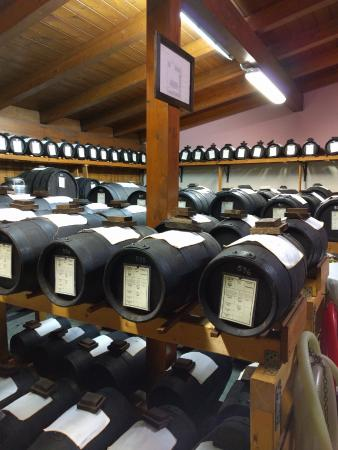 Golosaitalia Day Tours: The traditional balsamic vinegar storage area