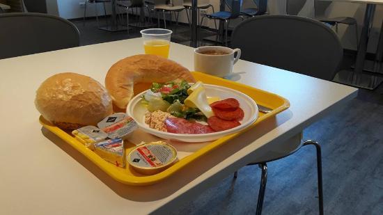 Drive Inn Hotel: Breakfast