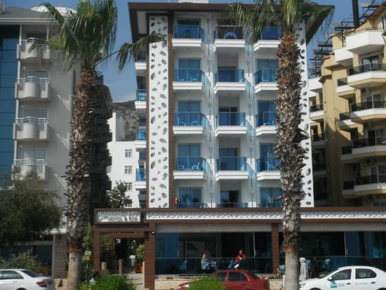 Kleopatra Life: Front of hotel from promenade.April 2016.