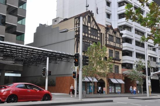 The street picture of st george 39 s terrace perth for 267 st georges terrace