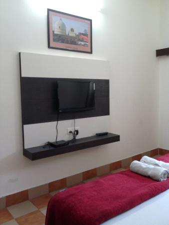 Hotel Sidhartha: Flat screen TV