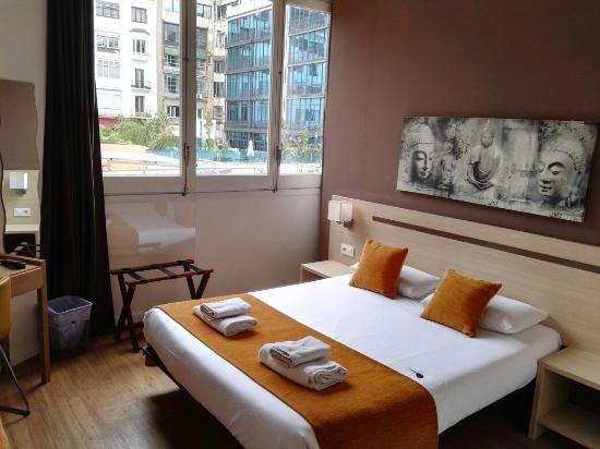 Hostal Barcelona Centro: IMG_20160506_121553_large.jpg