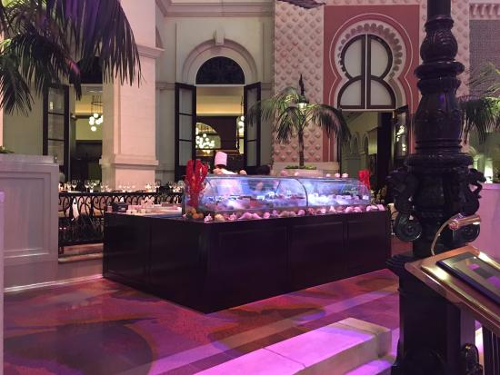 Grand Cafe Foyer Callantsoog : Imposanter innenraum picture of mgm macau