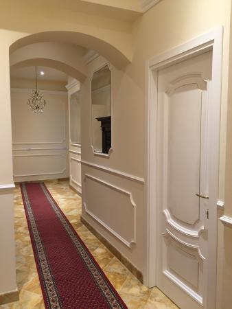 Casalbergo: corridoio camere