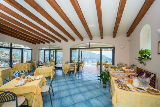 Villa Amore: Sala colazione