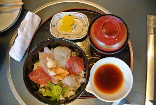 Seafood Cuisine Mikamo