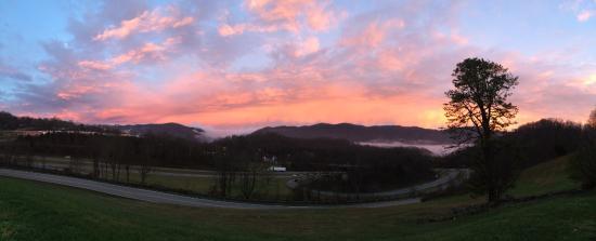 Big Stone Gap, VA: panoramic view of sunrise from hotel parking lot
