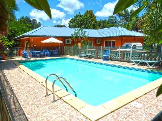 Images de matoury photos de vacances de matoury for Ouvrir une piscine privee