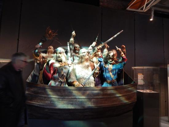 Museum of Archaeology (Arkeologisk Museum): A group of Vikings who burst into life as you walk past them !