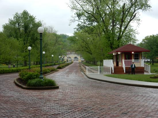 West Baden Springs, IN: The driveway to leave the hotel and Trolley Stop at West Baden