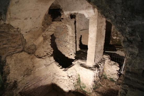 Crypta Balbi (Theater und Säulenhalle des Balbus): Crypta Balbi