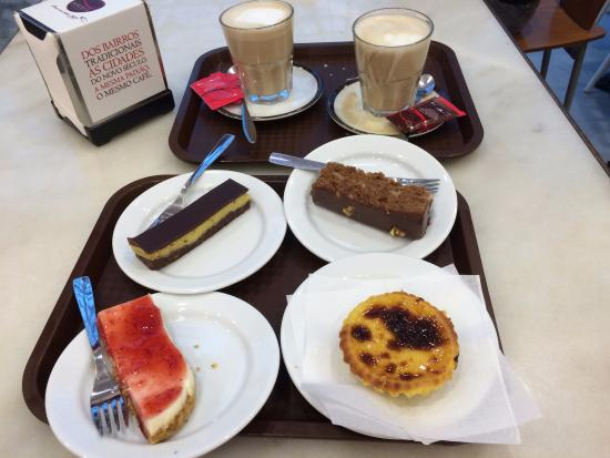 Portela Cafes: Latte and pastries