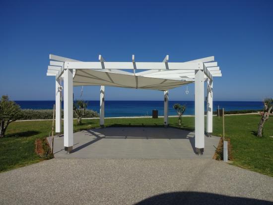 Pernera Beach Hotel: Wedding area