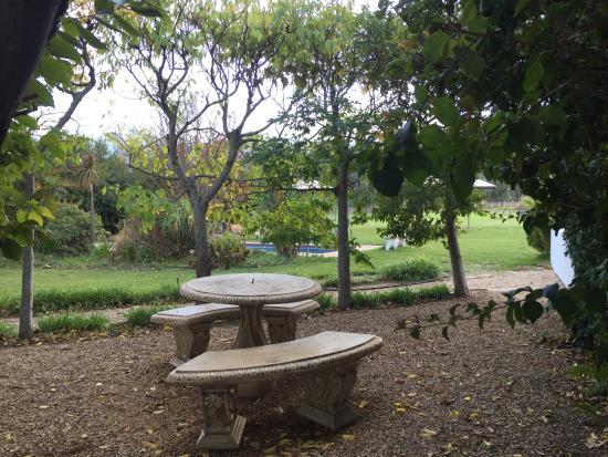 Auberge La Dauphine: picnic place