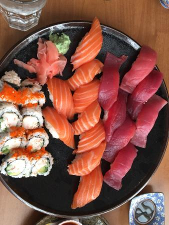 Hanami Sushi & Grill