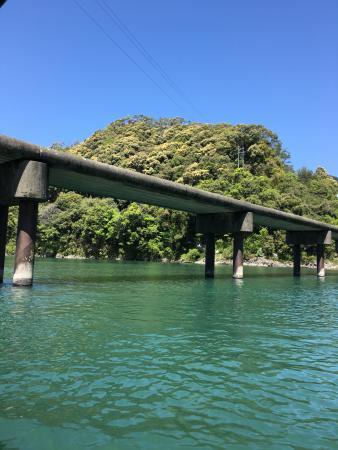 Kochi Prefecture, Japan: 沈下橋 欄干がありません
