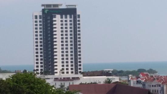 Holiday Inn Melaka: view from Bukit St. Paul.