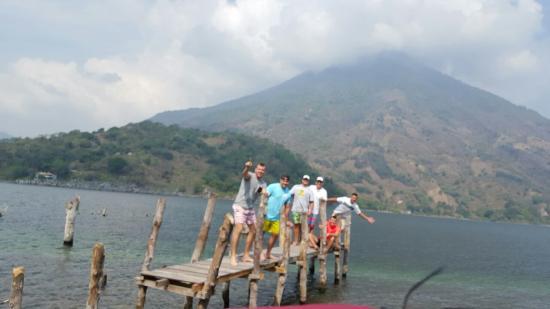 Lake Atitlan, Guatemala: amigos
