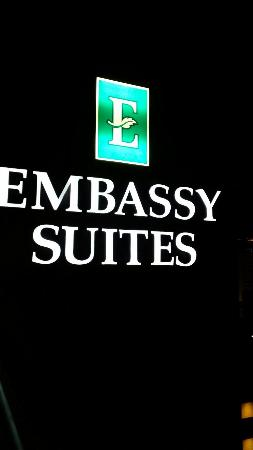 Embassy Suites by Hilton New Orleans Convention Center : 20160506_214728_large.jpg