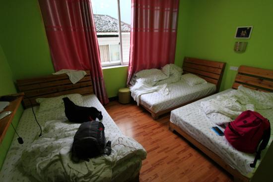 Yangshuo En Attendant Godot Hostel: Triple room