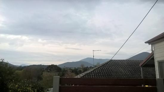 Healesville Apartments: View from Balcony