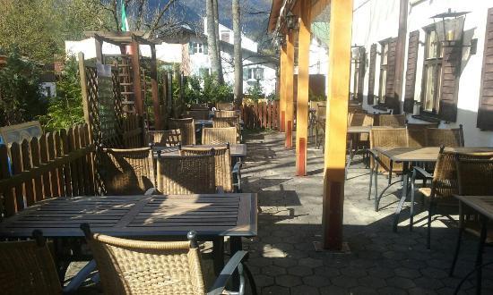 il giardino e la terrazza del nostro locale - Picture of Trattoria ...