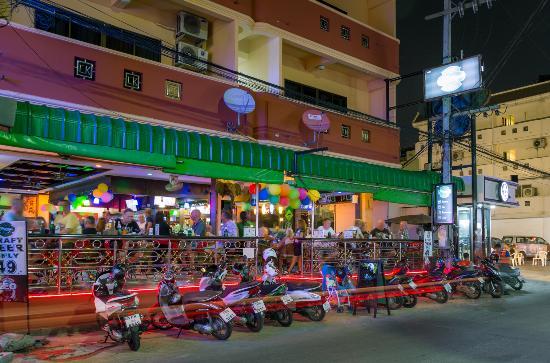 Harry's Hotel Bar & Restaurant