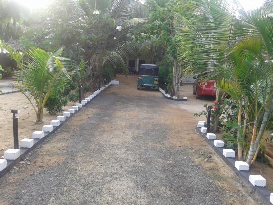 Star Rest Beach Hotel Arugam