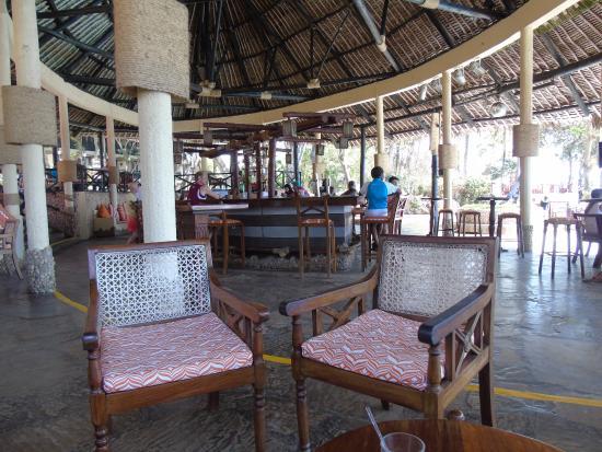 Baobab Beach Resort & Spa : pool bar