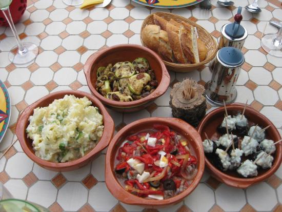 Cortijo del Sueno: lekker tapasmenu op je eigen terras