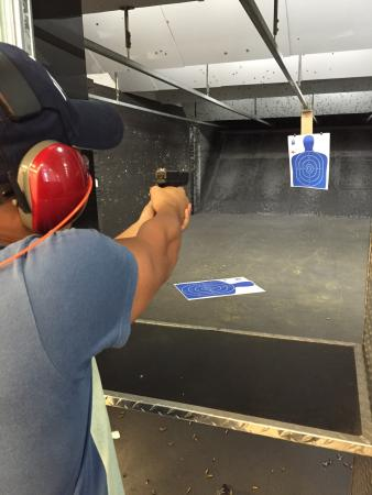 Hialeah, FL: Florida Gun Center