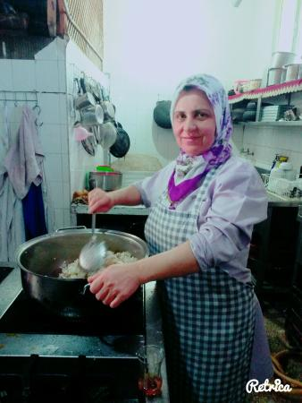 Sukru Baba: Patronumla yemek yaparken