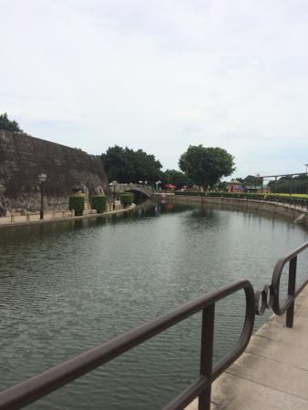 Stone Fort Park: Милый,небольшой провинциальный парк.Хороший для прогулок,и общения.Людей было мало,что радует.(в