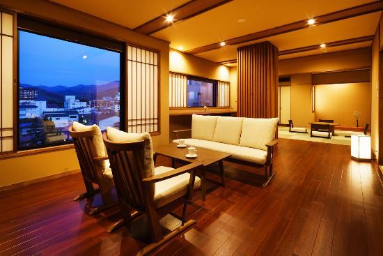 Tsukiokaonsen Masyuu: 四季邸いろは 客室「さくら」