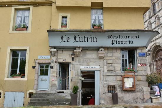 Le Lutrin : Façade Place Saint Louis.